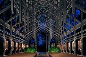 thorncrown-chapel-at-night